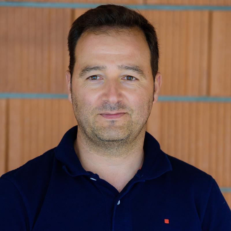 César Amil